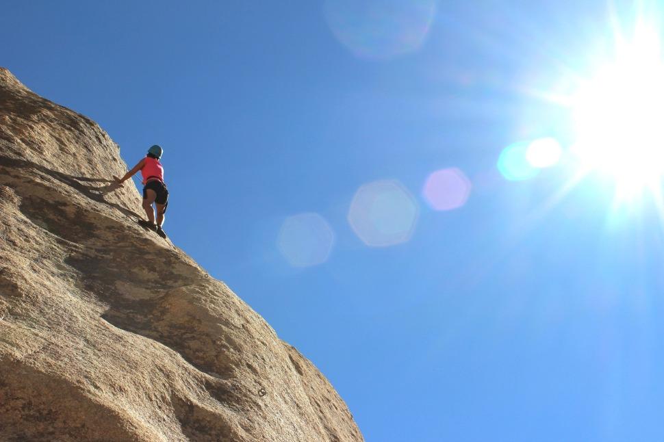 climber-984380_1920